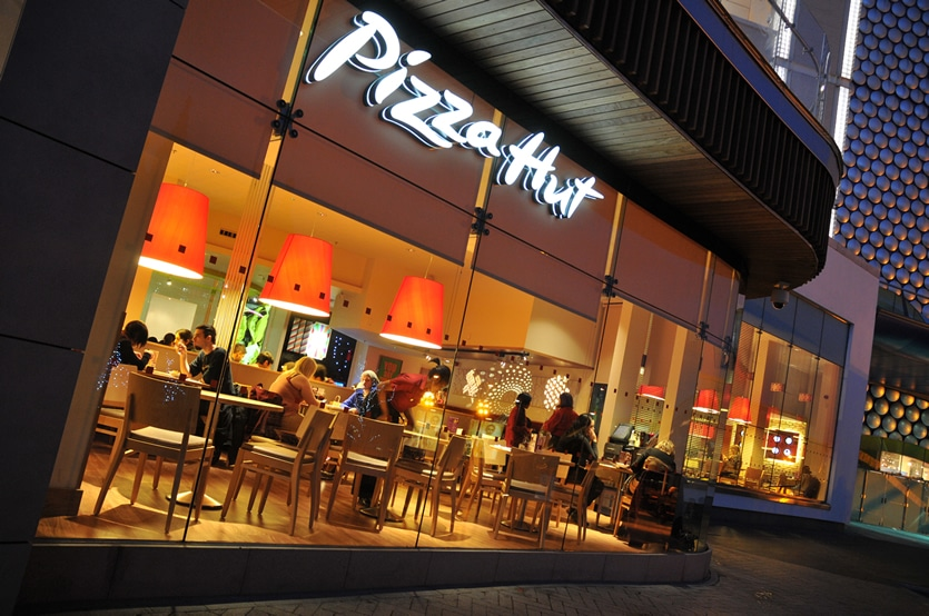 pizza hut student discount restaurant