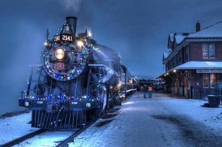 christmas train travel for students